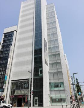 京橋創生館ビルのエントランス