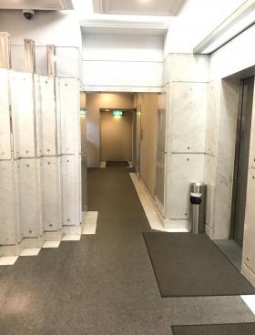新倉ビルの内装
