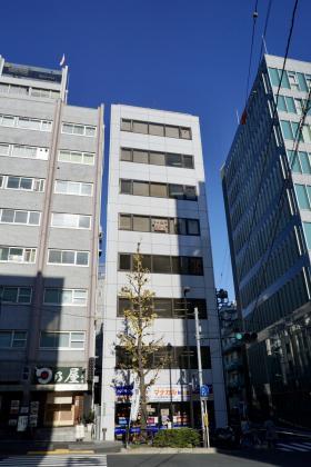 御茶ノ水クロス(中一)ビルの外観写真