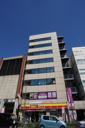 ホリーズ日本橋ビルの外観写真
