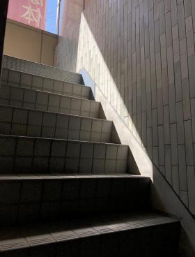 ホリーズ日本橋ビルの内装