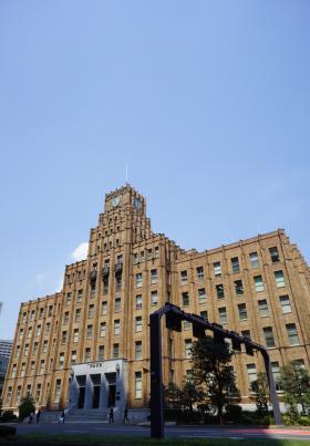 市政会館の外観写真