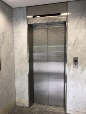 三和九段ビルの内装