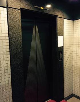 九段鶴屋ビルの内装