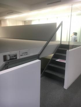 アーバンネット日本橋ビルのエントランス