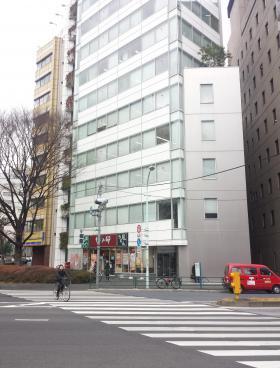日本橋オリーブビルのエントランス