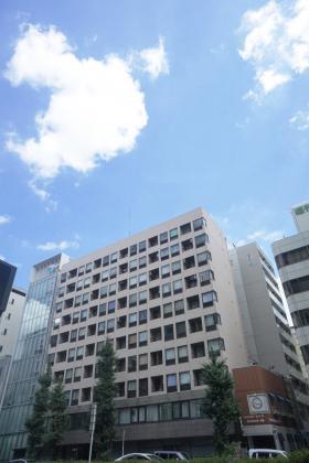 東新橋ビルの外観写真