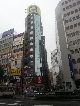ラウンドクロス西新宿ビルの外観写真