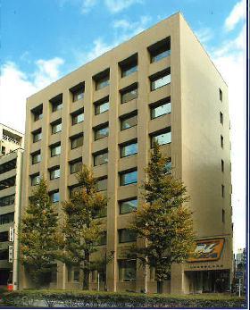 興信ビルの外観写真