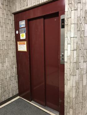 溝呂木第2ビルの内装