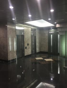 松亀センタービルの内装