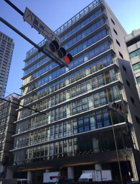 アーバンネット日本橋二丁目ビルのエントランス