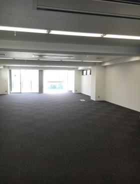 FORECAST四谷(旧VARUCA YOTSUYA)ビルの内装