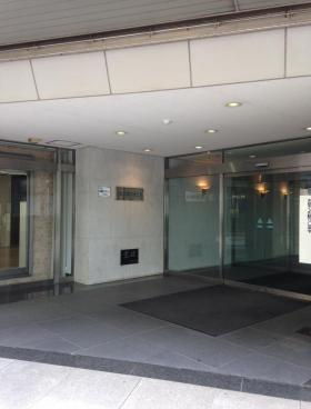 YS千葉中央ビルのエントランス