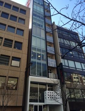 銀座クレッセントビルの外観写真