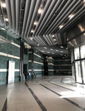 千葉ポートサイドタワービルのエントランス