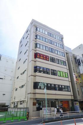 本八幡駅西口ビルの外観写真