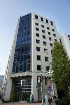 東信商事ビルの外観写真