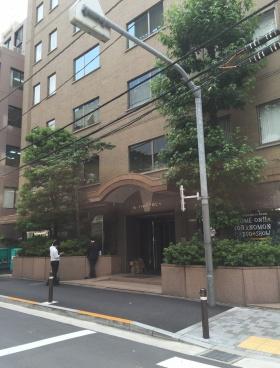 虎ノ門東洋共同ビルのエントランス