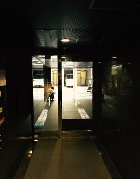 エミナンス九段ビルのエントランス