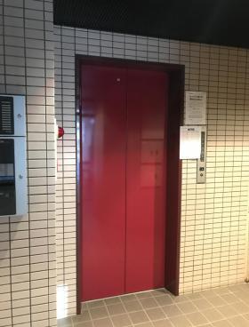 港新川ビルの内装
