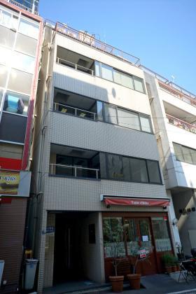 港新川ビルの外観写真