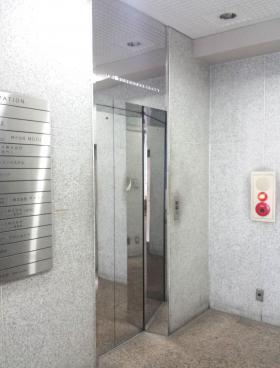 西新宿TOKビルの内装