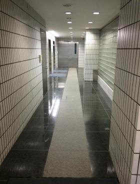 岩本町喜多ビルの内装