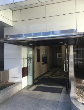 山崎第2ビルのエントランス