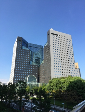 ソリッドスクエアの外観写真