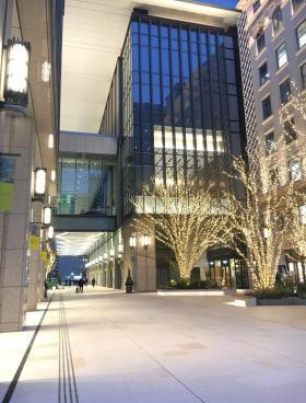 京橋エドグランのエントランス