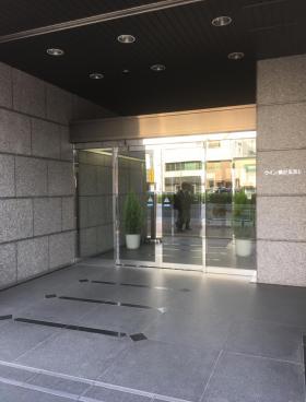 ウィン第2五反田ビルのエントランス