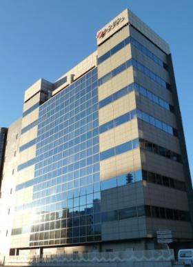 シンデン本社ビルの外観写真