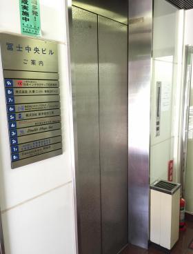 冨士中央ビルの内装
