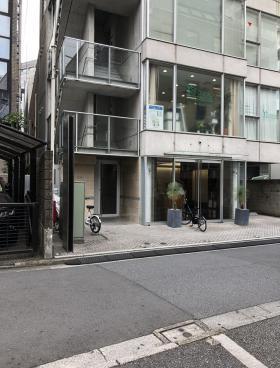 恵比寿鈴木ビルのエントランス