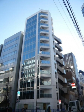 トナカイ神田タワーのエントランス