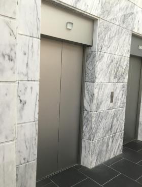 トナカイ神田タワービルの内装