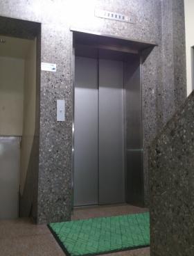 銀ビルの内装