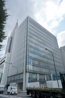 アグリスクエア新宿ビルの外観写真