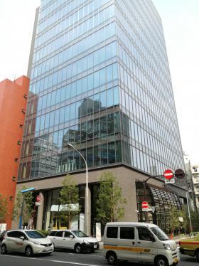 藤久ビル東5号館のエントランス