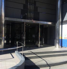 KDX高田馬場ビルのエントランス