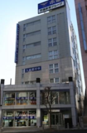 京王自動車桜ヶ丘ビルの外観写真