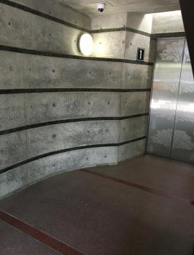 国立東加賀屋ビルの内装