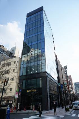 河北新報ビルの外観写真