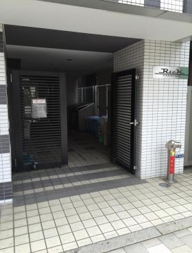 ルーク西早稲田のエントランス
