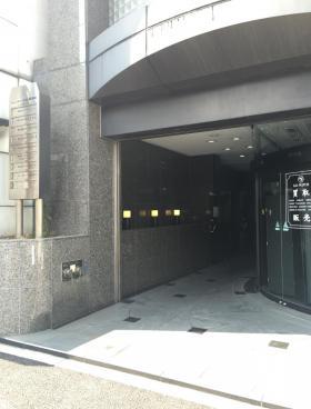 フォーライフオフィス東神田ビルのエントランス