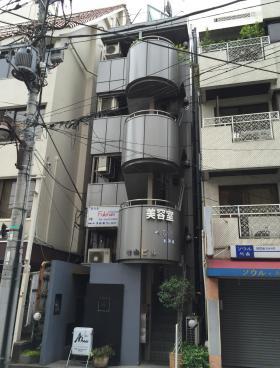 飯田橋有山ビルの外観写真