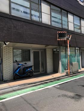 木村ビルのエントランス