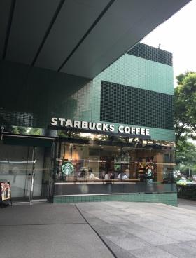 新宿グリーンタワーのエントランス
