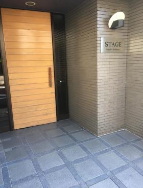 ステージ東池袋ビルのエントランス